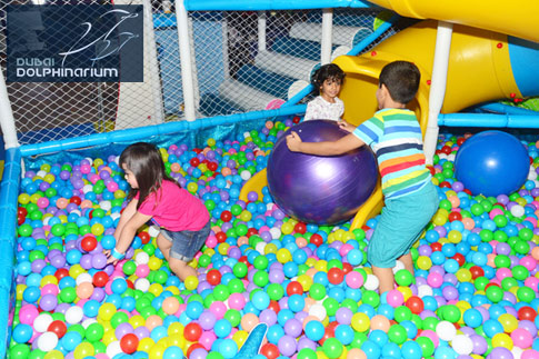 Let your kids have fun and enjoy the slides and tunnels with 1 hour in the 3-storey soft play area at Dubai Dolphinarium for only AED 15. Two hours option also available for AED 25