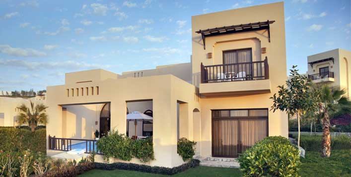 1, 3 or 3 bedroom villa stay + breakfast